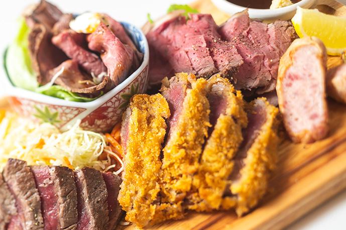 大満足の肉てんこ盛りプレート! | グリル異人館
